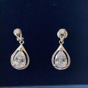 """Drop """"diamond"""" earring"""